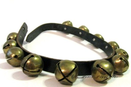 antique_christmas_sleigh_bells_on_a_leather_strap_615af543